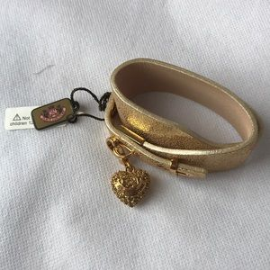 NWT Juicy Couture gold bracelet